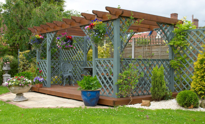 how to build a wooden pergola