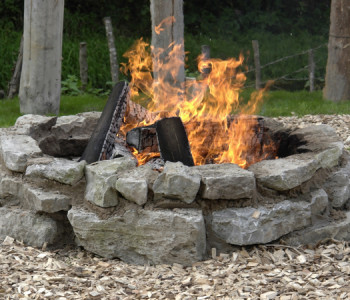 8 DIY Plans & Ideas to Build a Fire Pit